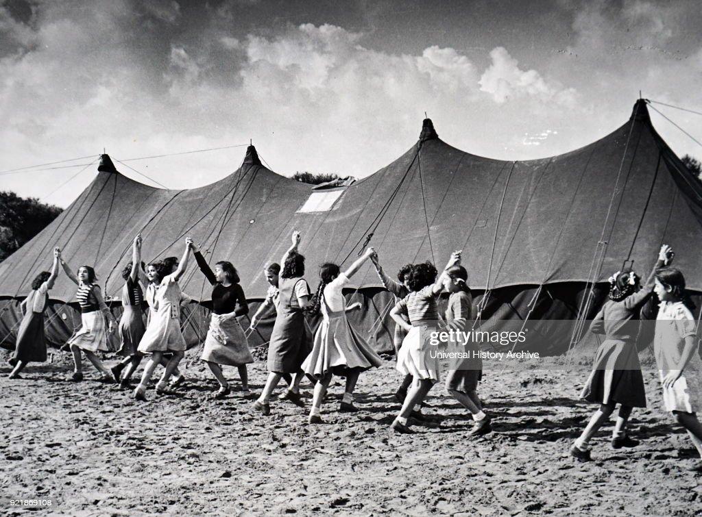 The Mar Elias camp. : News Photo