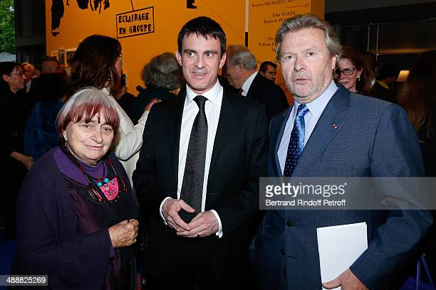Photographer Agnes Varda French Prime Minister Manuel Valls and ounder of 'Fondation Cartier' Alain Dominique Perrin attend the 'Fondation Cartier...
