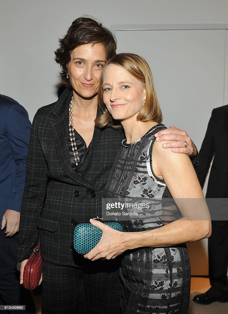 Who is jodie foster dating now 2011