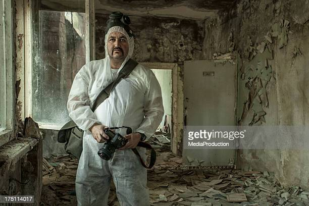 photographer at work in chernobyl - chernobyl stockfoto's en -beelden