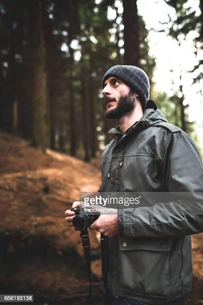 森のハイキングの写真