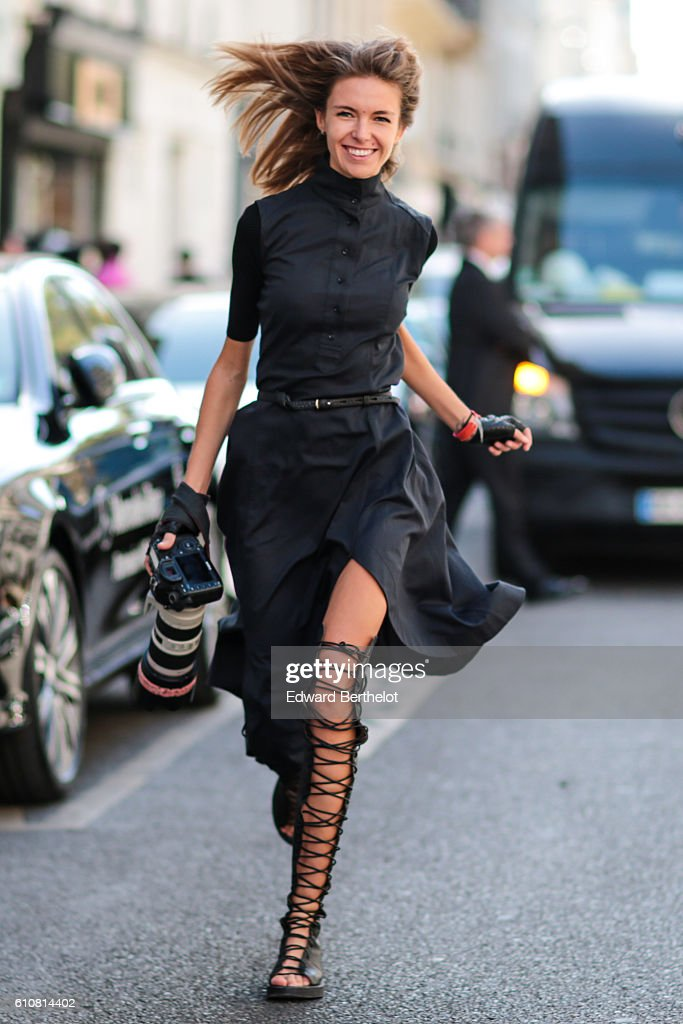 A photographer is seen outside the Liselore Frowijn show during Paris Fashion Week Spring Summer 2017 on September 27, 2016 in Paris, France.