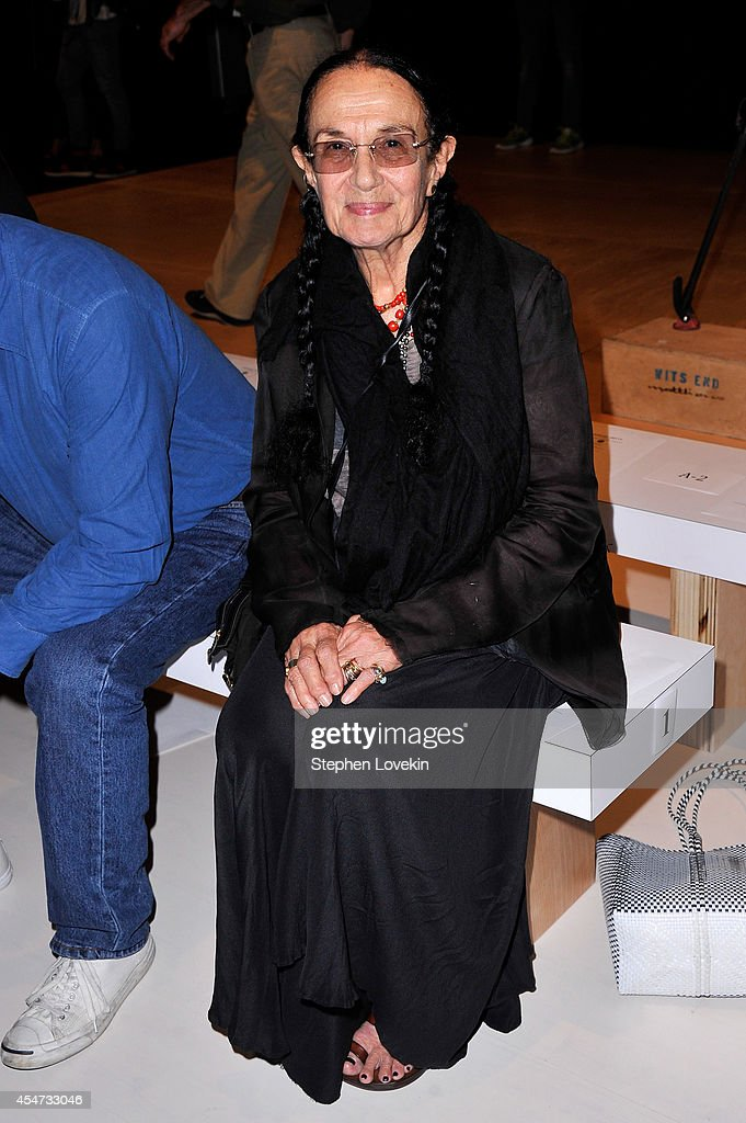 August Getty - Front Row - Mercedes-Benz Fashion Week Spring 2015 : News Photo