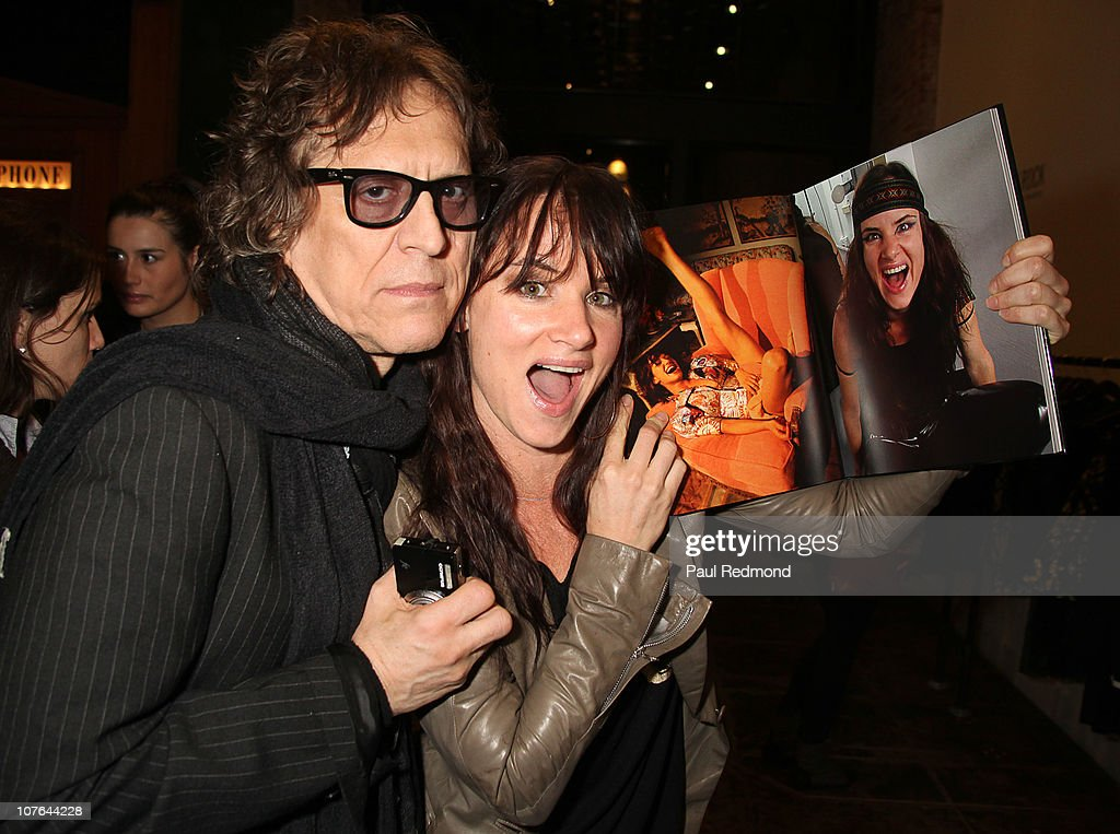 """Riley Keough & Shepard Fairey Host """"Mick Rock Exposed"""" At Confederacy"""