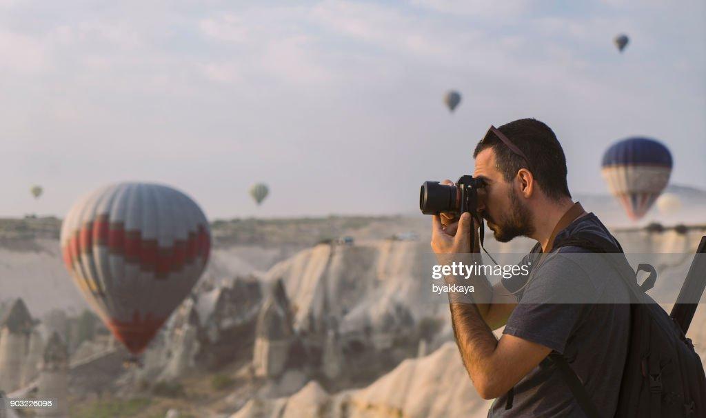 Tomar fotos de fotógrafo en Capadocia : Foto de stock