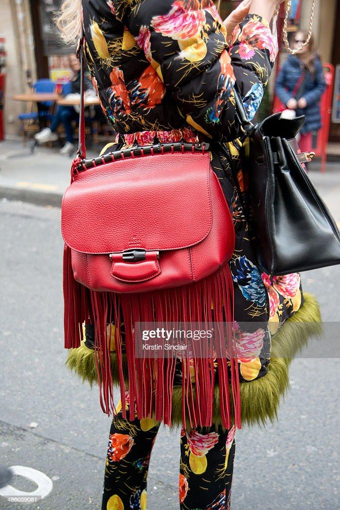 Street Style - Day 5 : Paris Fashion Week - Womenswear Fall/Winter 2014-2015 : News Photo