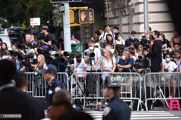 Photographers and fans across Fifth Avenue watch celebrities arrive at the 2021 Costume Institute Benefit - In America: A Lexicon of Fashion at the...