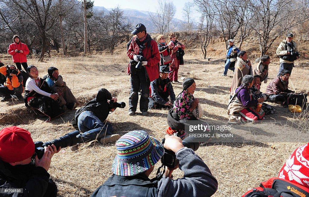 Photographers capture images of Tibetans : News Photo
