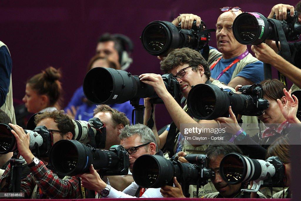 Men's Apparatus - Horizontal Bar Final : News Photo