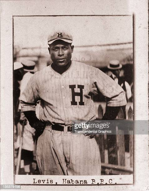 A photographic cigarette insert card for Billiken cigarettes features Cuban Hall of Famer Oscar Levis and was produced in 1923 in Havana Cuba