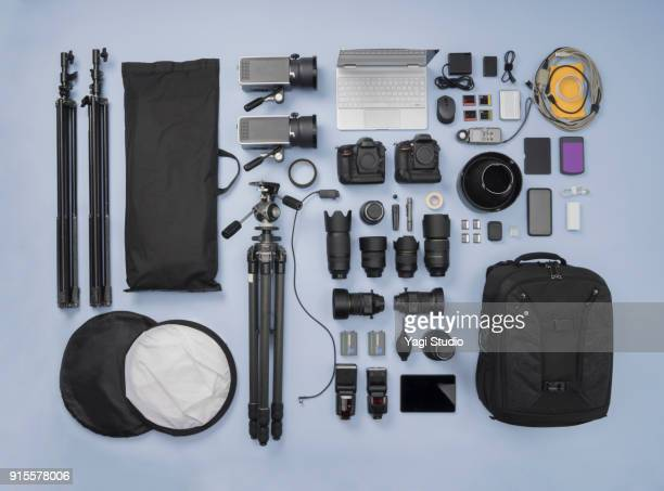 photographic equipment knolling style - camera photographic equipment - fotografias e filmes do acervo