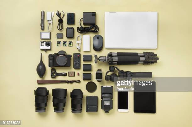 photographic equipment knolling style - camera photographic equipment stock pictures, royalty-free photos & images