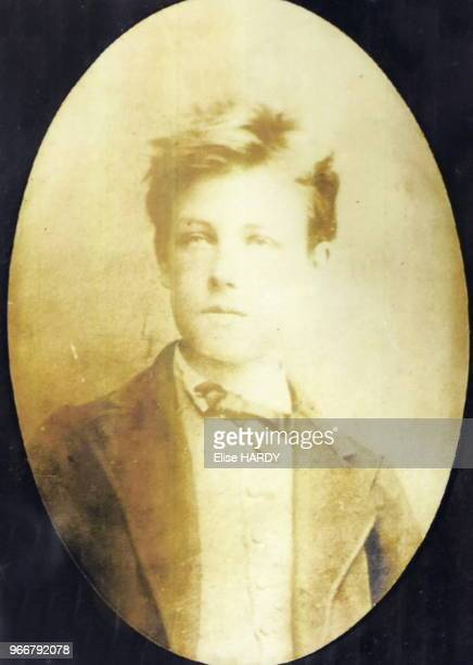Photographie ancienne du poète Arthur Rimbaud dans le Musée Rimbaud 22 septembre 2015 CharlevilleMézières Ardennes France