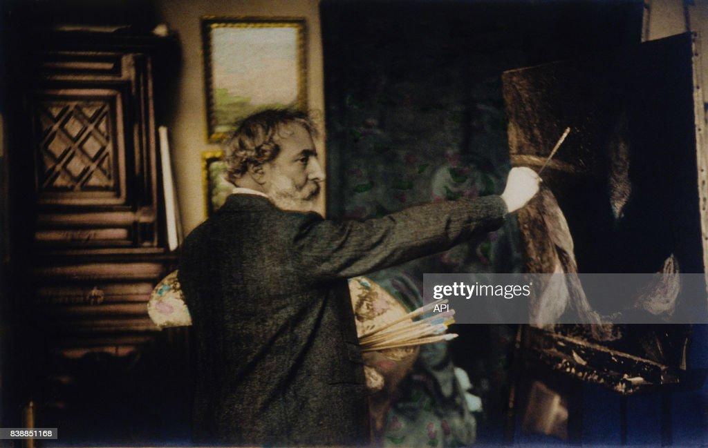 Photographie Du Peintre Francais Henri Martin Qui Peint Un Tableau Photo D Actualite Getty Images