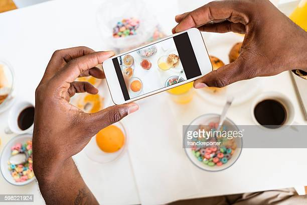 photographing the breakfast