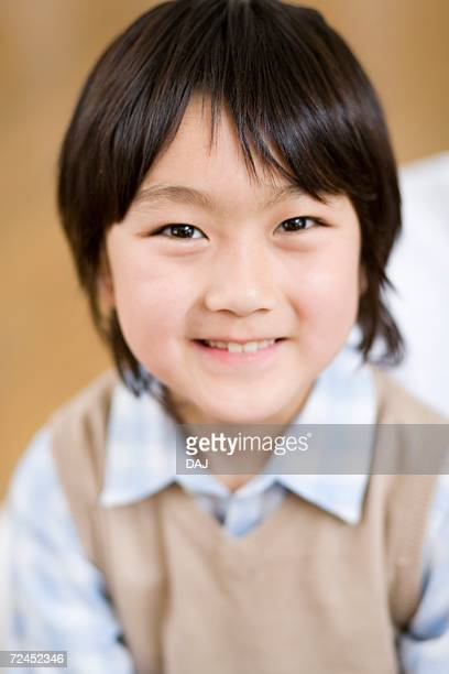 photography of a boy smiling at camera, front view - 16:9 ストックフォトと画像
