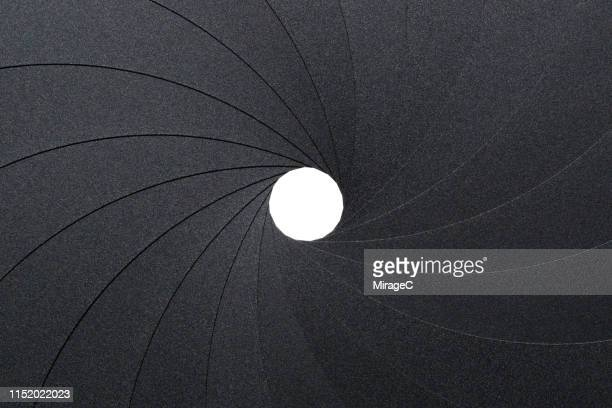 photography of circular aperture diaphragm - image focus technique stock pictures, royalty-free photos & images