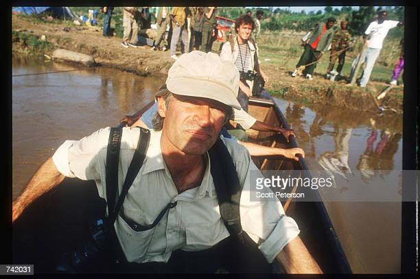 Photojournalists James Nachtwey and Luc Delahaye canoe on a river June 1994 in Rwanda Wellknown journalists descended on Rwanda during and after the...