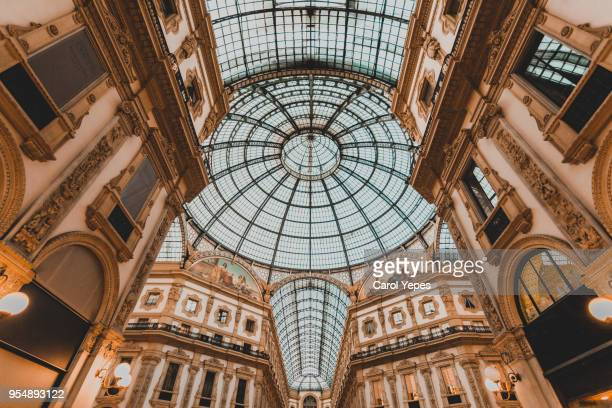 photos the galleria vittorio emanuele ii in milan, italy - ミラノ ストックフォトと画像