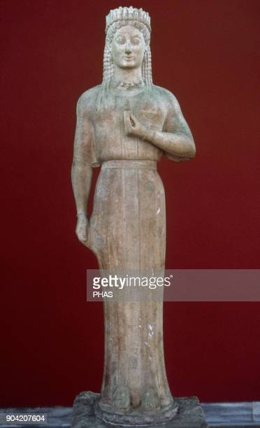 Phrasikleia Kore 550540 BC Archaic Greek statue by the artist Aristion of Paros It was found on a tomb in the ancient city of Myrrhinus in Attica...