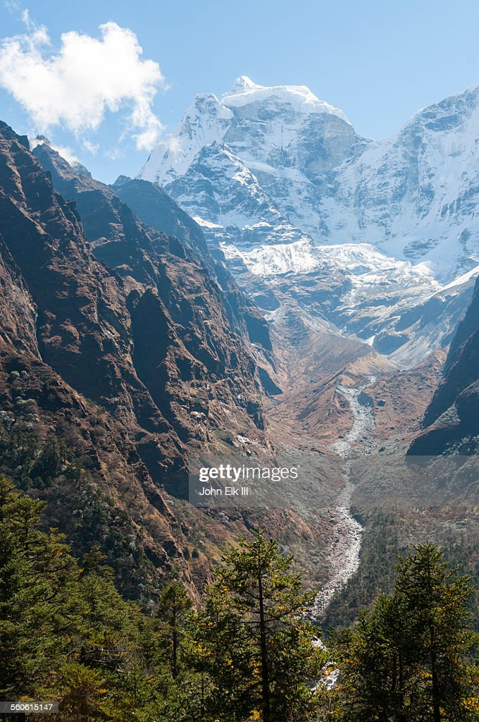 Phungi Khola river and Kantega : Stock Photo