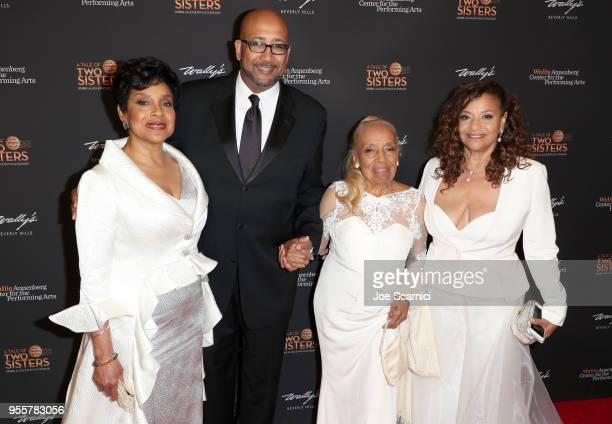 Phylicia Rashad Andrew Arthur Allen Jr Vivian Ayers Allen and Debbie Allen attend A Tale of Two Sisters honoring Debbie Allen and Phylicia Rashad at...