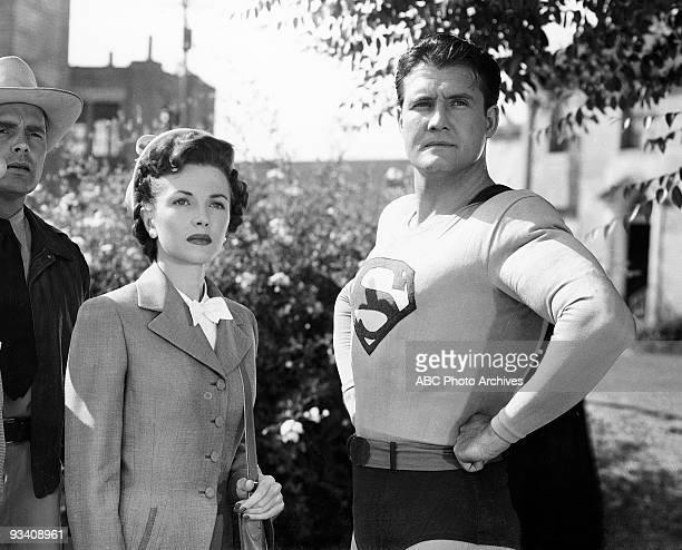 SUPERMAN Phyllis Coates as 'Lois Lane' and George Reeves stars as 'Superman'