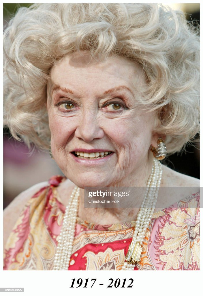 Phyllis Diller during 'De-Lovely' Special Los Angeles Screening - Arrivals at Academy of Motion Picture Arts and Sciences on June 11, 2004 in Beverly Hills, CA, United States. Phyllis Diller died in 2012.