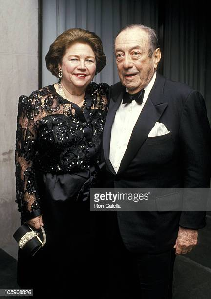 Phyllis Wagner and Robert Wagner during Mary Lasker's Annual Christmas Party December 14 1987 at La Grenouille Restaurant in New York City New York...