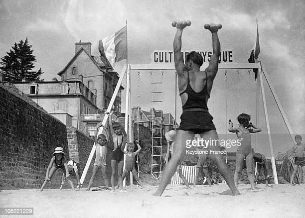 Physical Culture On The Beach 19301935