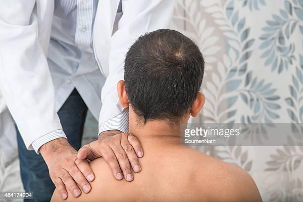 Physiotherapeutin Serie: Rücken und Schultern
