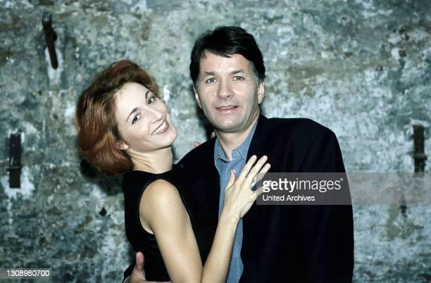 Pia Heilmann ist in ihrem neuen Job so beschäftigt, daß sie keine Zeit mehr für Roland und die Familie hat. Regie: Bernhard Stephan aka. 7....