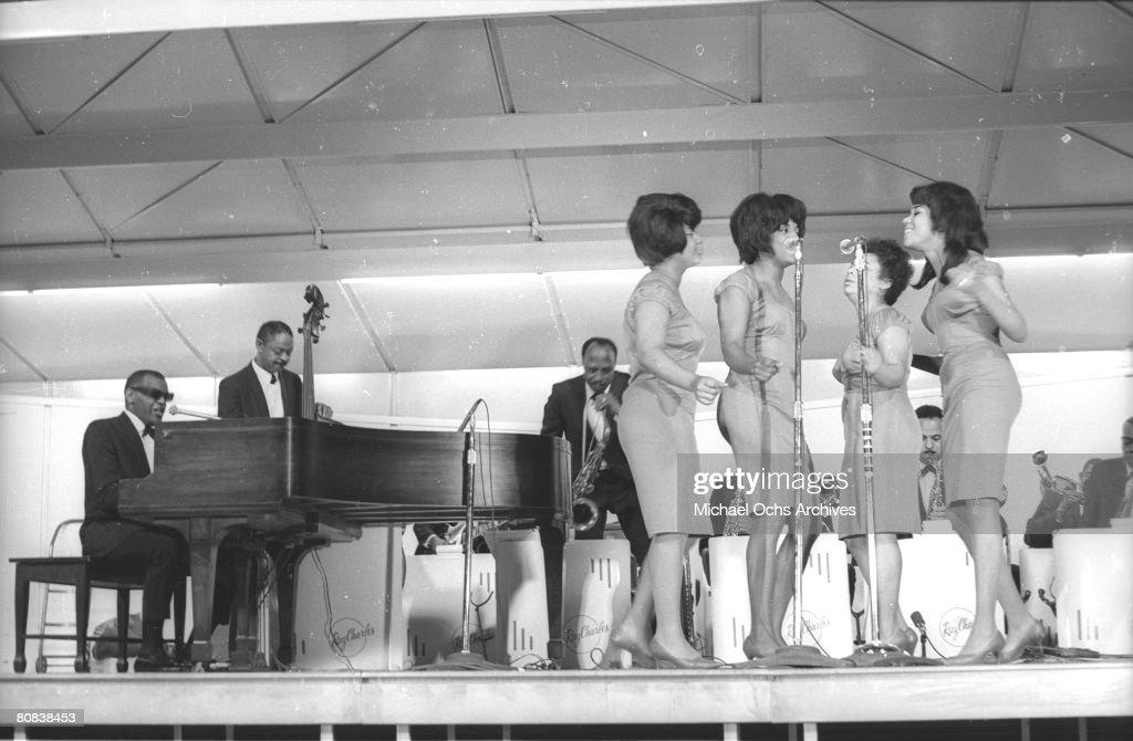 Ray Charles At Sound Blast '66 : News Photo