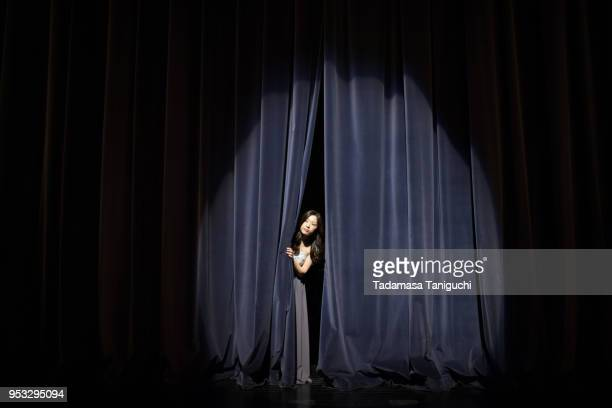 pianist looking at audience - theatrical performance stock pictures, royalty-free photos & images