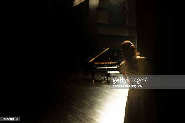 Pianist wating for starting her concert