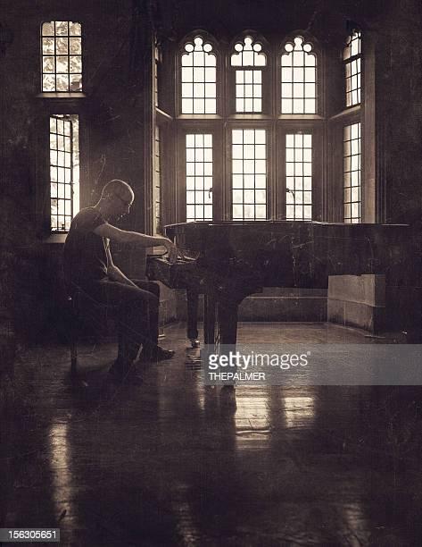 Homme au piano