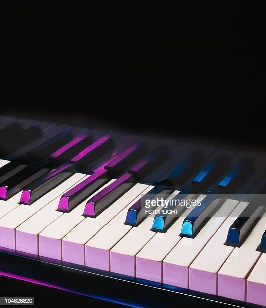 ピアノ - ピアノの鍵盤 ストックフォトと画像