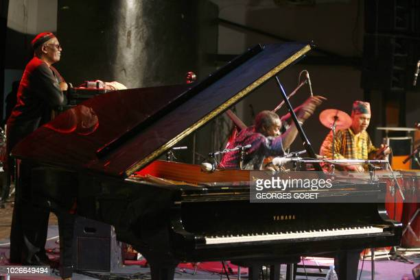 US piano player Randy Weston listens to musicians of the Randy Weston African Rythms bass player Alex Blake and percussions Neil Clark late 27 May...