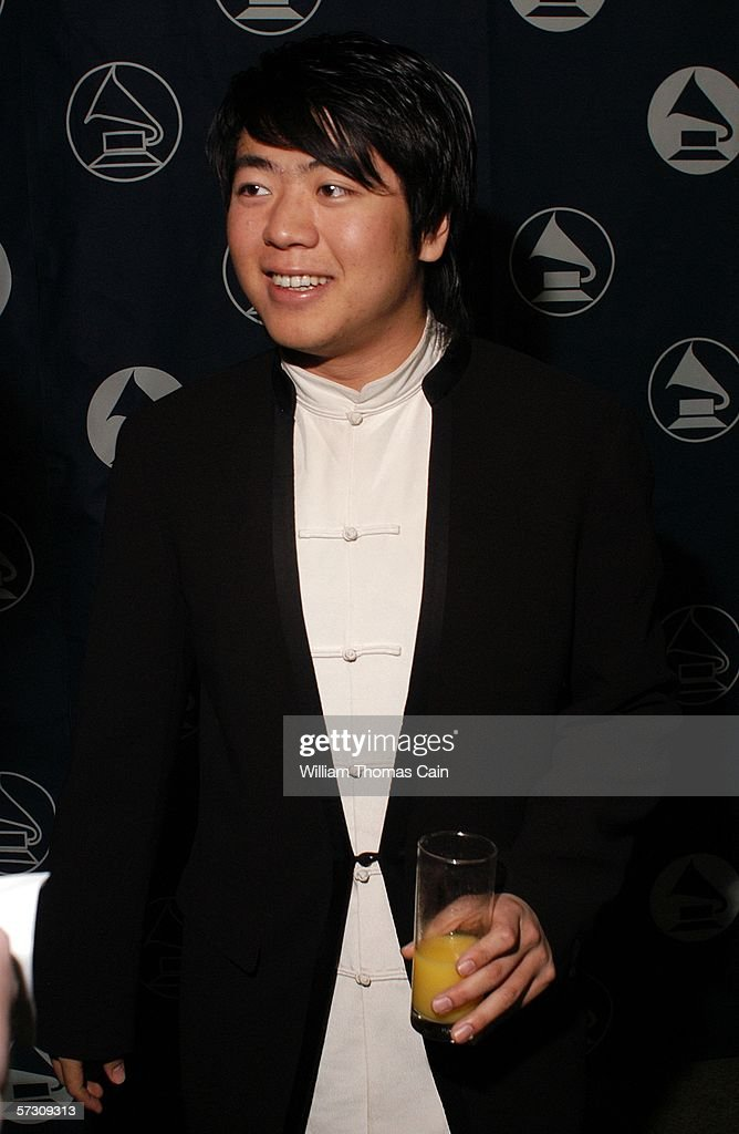 Piano prodigy Lang Lang poses backstage at the Recording Academy Honors 2006 April 10, 2006 in Philadelphia, Pennsylvania. The Philadelphia Chapter held the event to salute outstanding individuals and institutions for their contributions to the creative community and the community-at-large.