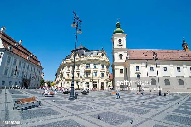 piata mare (grand square), sibiu, romania, europe - sibiu stock photos and pictures