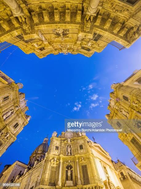 piazza dei quattro canti, also called piazza villena or ottagono del sole or teatro del sole - シチリア パレルモ市 ストックフォトと画像
