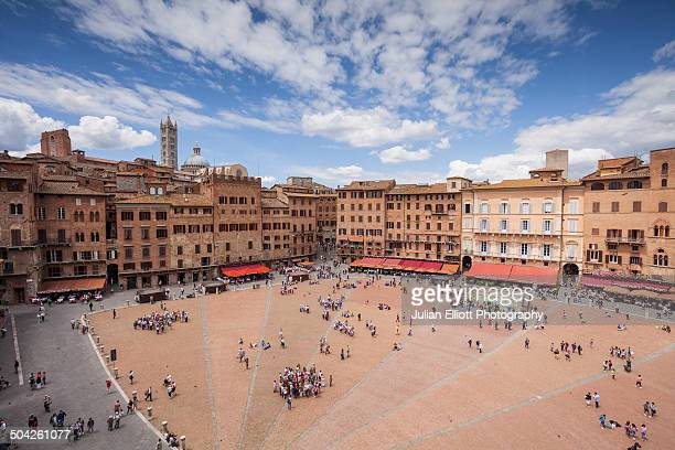 piazza del campo, siena. - siena italy stock pictures, royalty-free photos & images