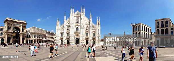 piazza del duomo - milan cathedral stock pictures, royalty-free photos & images