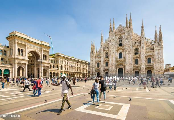 piazza del duomo with cathedral of milan, italy - duomo di milano stock pictures, royalty-free photos & images