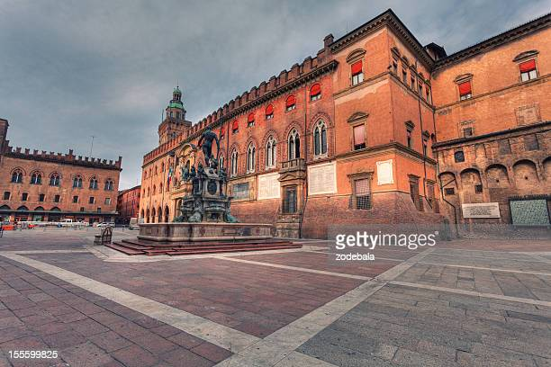 piazza del nettuno in bologna, italy landmark - bologna stock pictures, royalty-free photos & images