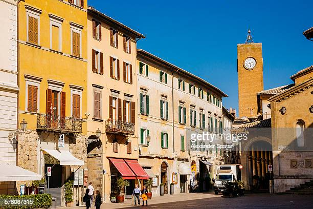 piazza della repubblica, orvieto, umbria, italy - orvieto stock pictures, royalty-free photos & images