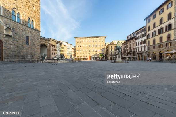 piazza della signoria at sunrise,florence - florence italy stock pictures, royalty-free photos & images