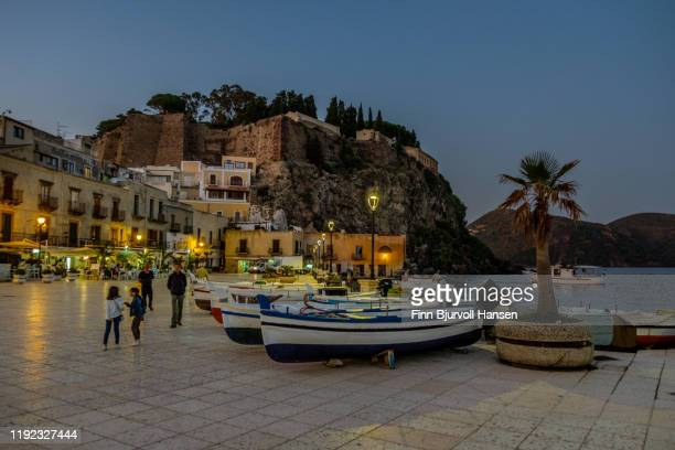 lipari, italy - october 10, 2019: piazza di sant onofrio - finn bjurvoll stock pictures, royalty-free photos & images