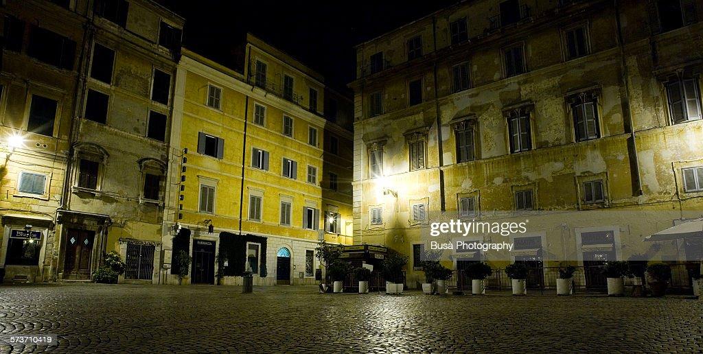 Piazza di Santa Maria in Trastevere at night, Rome : Stock Photo