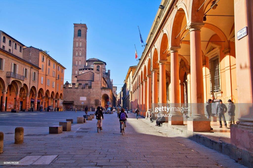 https://media.gettyimages.com/photos/piazza-giuseppe-verdi-and-basilica-di-san-giacomo-maggiore-bologna-picture-id909626056